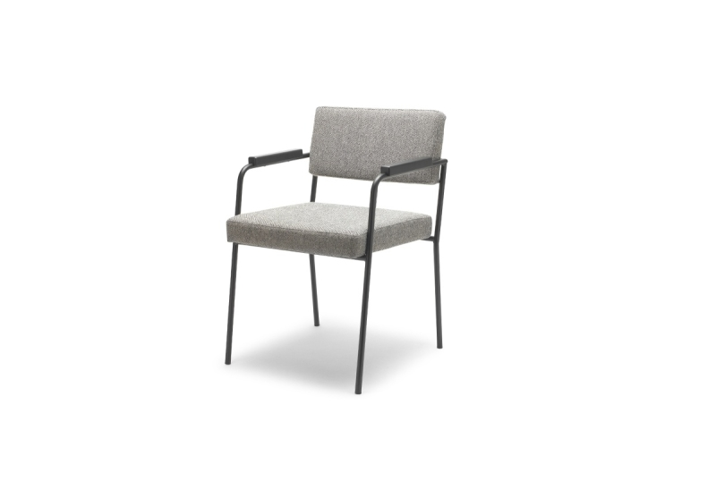 FEST monday dining chair with arms hallingdal 65 116 sidefront