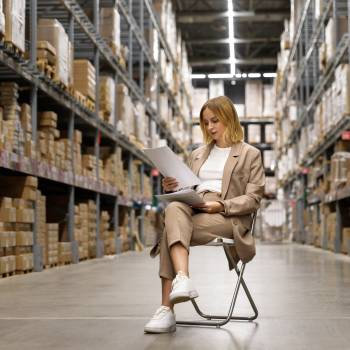 From warehouse to van, RouteMagic provides you with real-time stock updates and advanced inventory management.