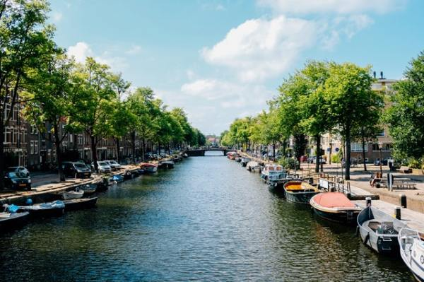gate-1-aardy-amsterdam-holland-river