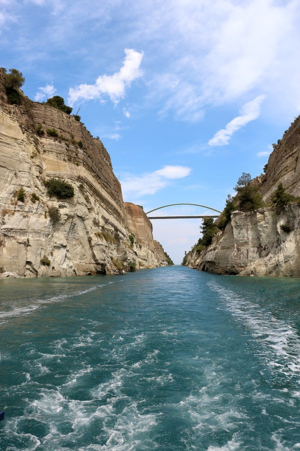 fred-olsen-cruises-aardy-greece-corinth-canal