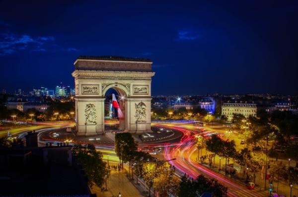 vantage-travel-aardy-arch-paris