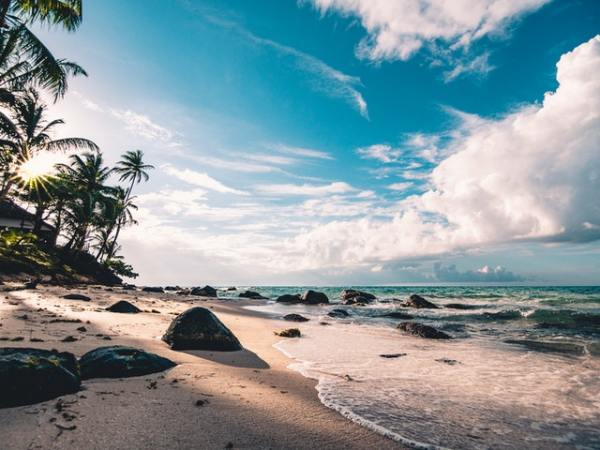 island-windjammers-afternoon-beach