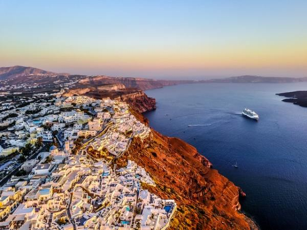 fred-olsen-cruises-aardy-greece-ship