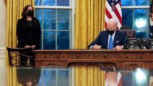 Biden signs Immigration EOs