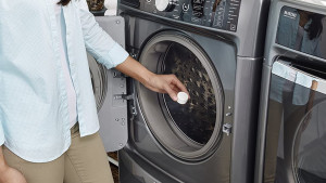 tablet to clean washing machine buildup and eliminate odors