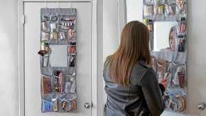 over the door hanging organizer with pockets for personal items