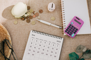 money budgeting calendar calculator change