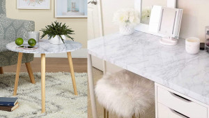 Faux marble wallpaper