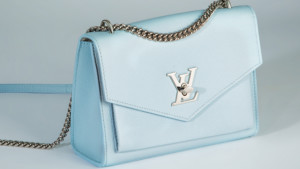 secondhand and lightly used designer handbags for less