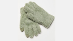 fuzzy gloves with touchscreen tips