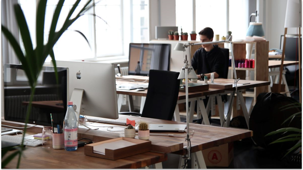 The New Hybrid Workplace: 9 Tips for a Smooth Transition