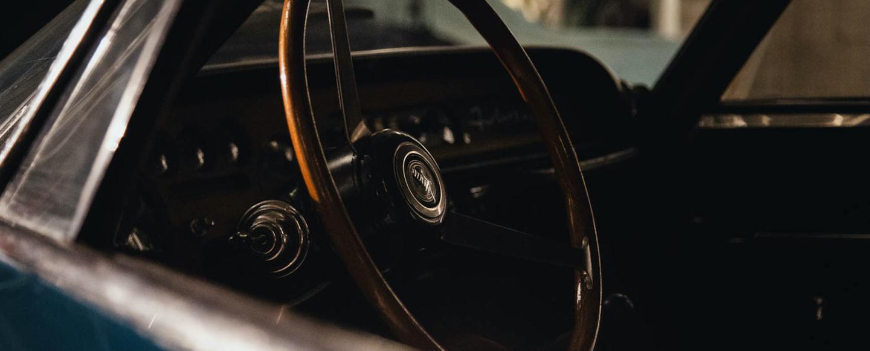 昔から憧れているあの車、いつか所有したいと思っているあの車、クラシックカースーパーカーハイパーカーなど、希少な車をお探しします。