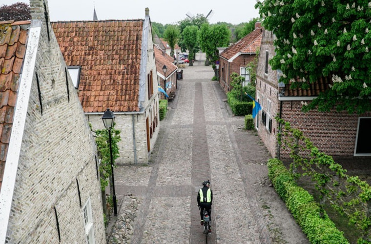Race Around the Netherlands