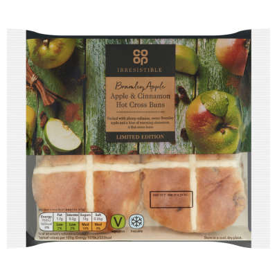 Co-op Irresistible Limited Edition Bramley Apple & Cinnamon Hot Cross Buns 4 Pack