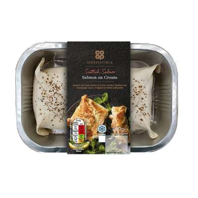 Co-op Irresistible Salmon En Croute with Prawns 400g