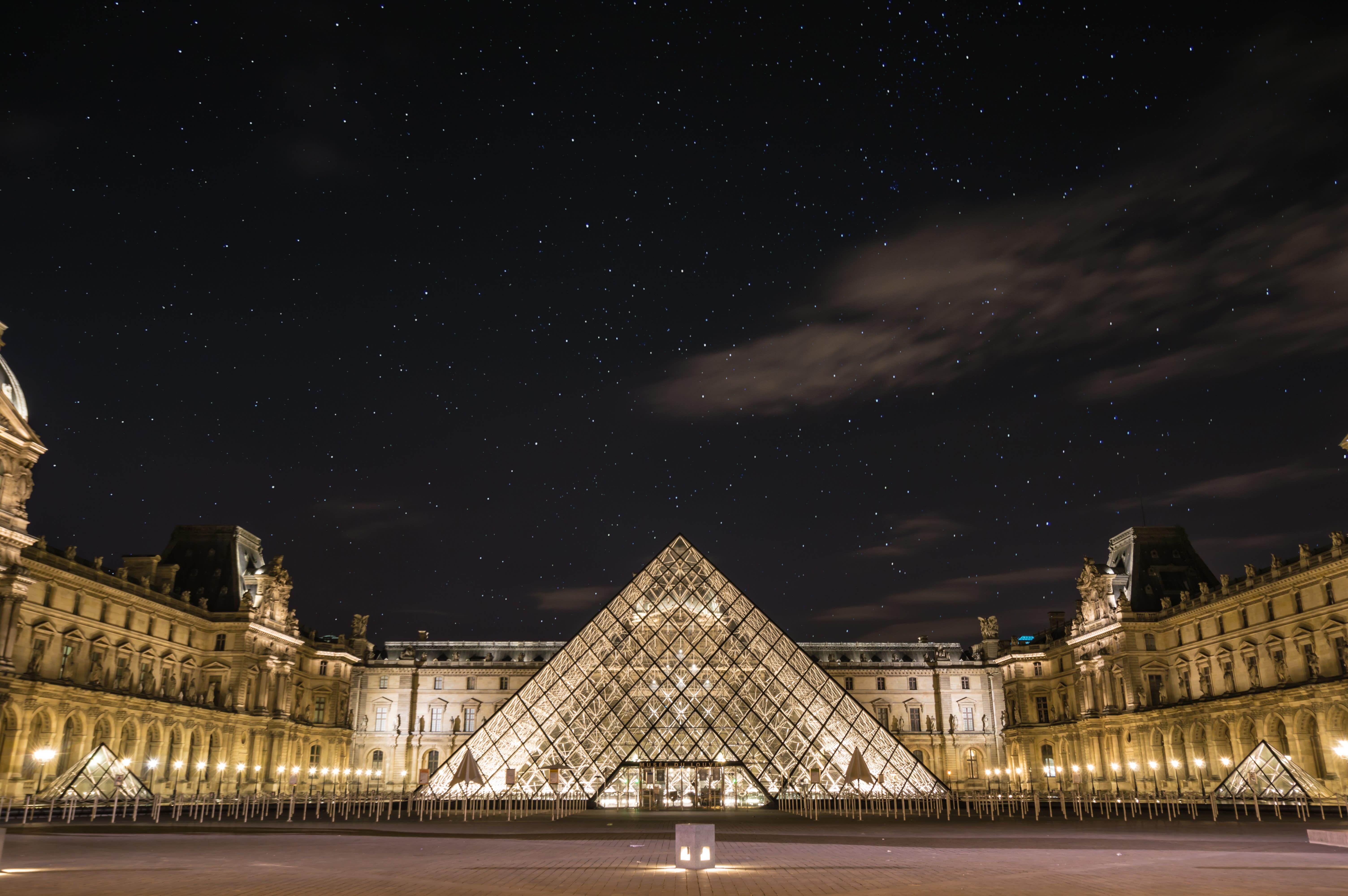 Museum Louvre Dan 9 Museum Terbaik Di Paris Lainnya Yang