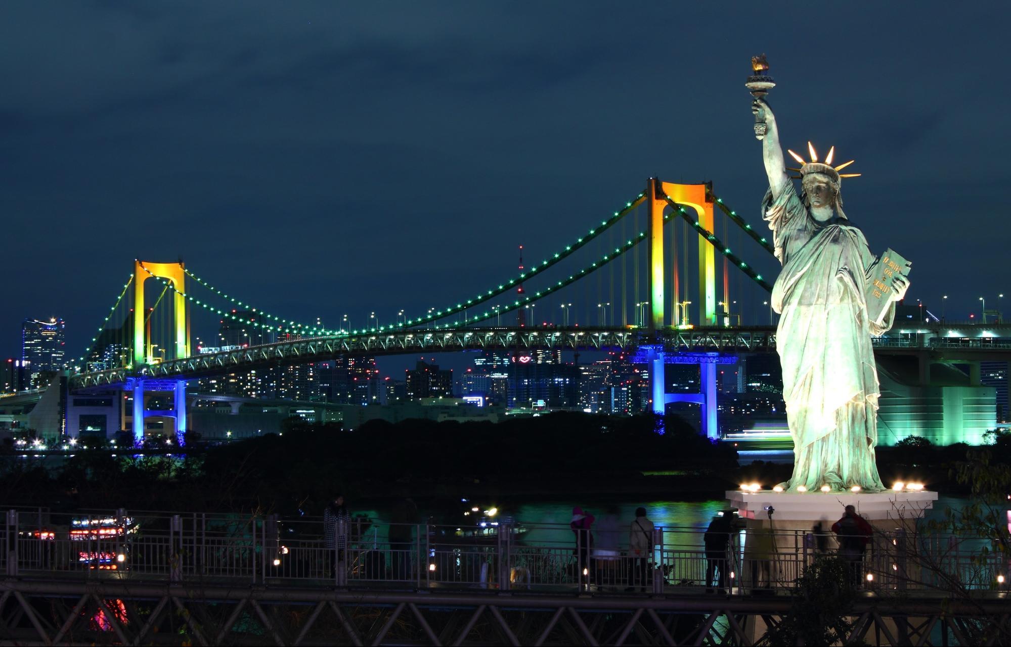御台场彩虹桥 (Rainbow Bridge in Odaiba)