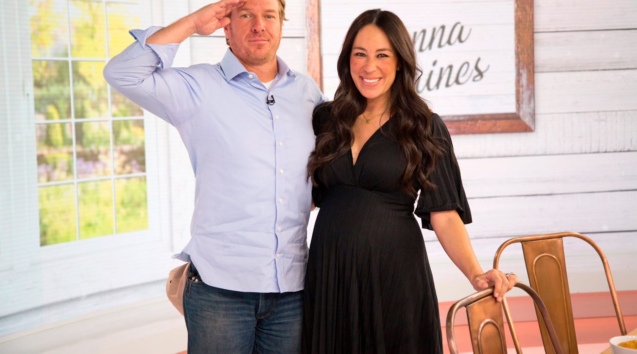 chip and joanna gaines of hgtv's fixer upper