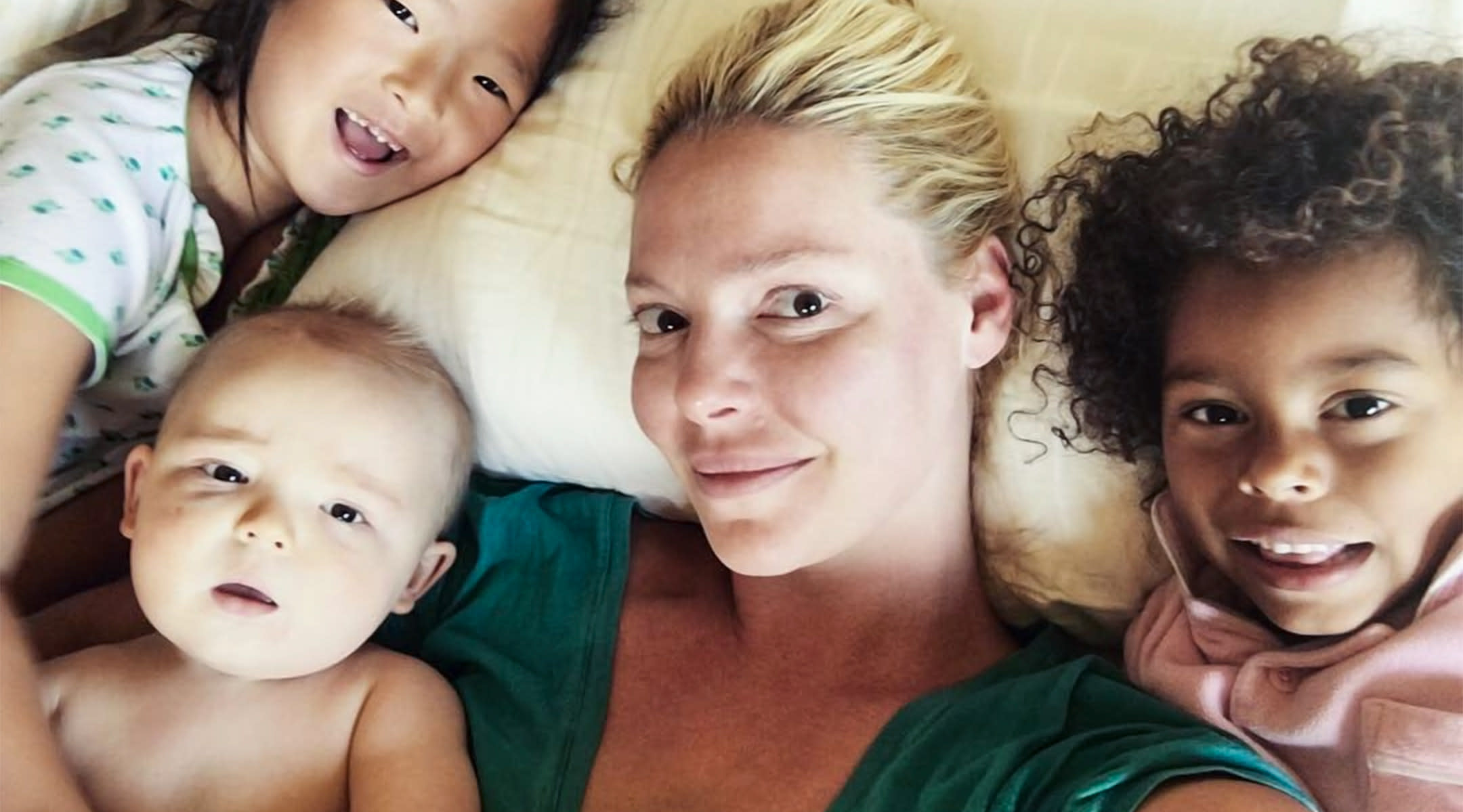 katherine heigl at home in bed with her kids