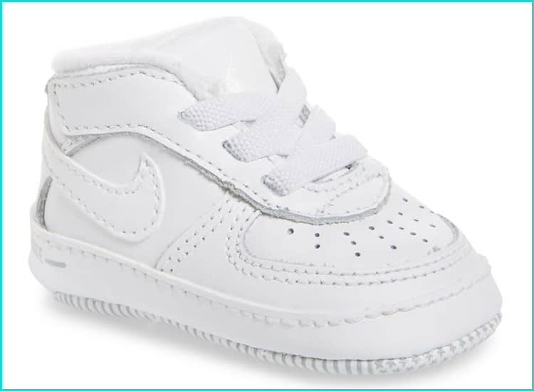 38931f2f5e38 20 Baby Walking Shoes That Offer Style and Support