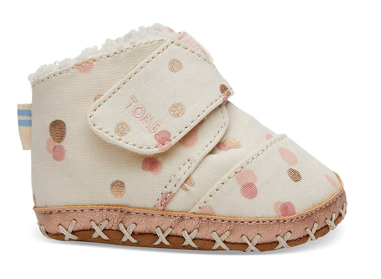 toms-pink-dots-baby-moccasins