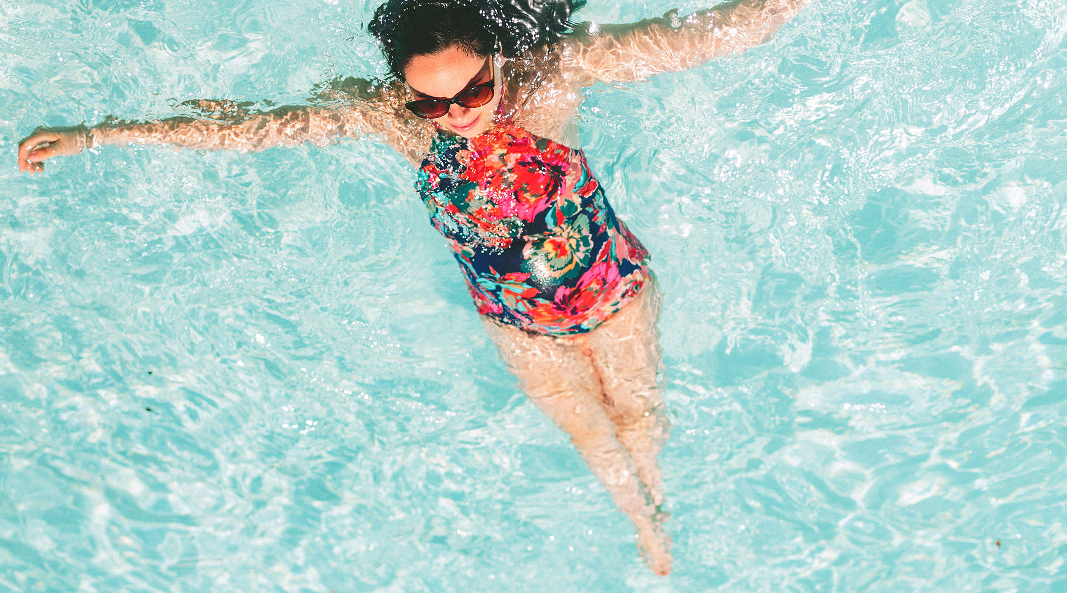 8eded5ca08 36 of the Cutest Maternity Swimsuits (and Cover-Ups!)