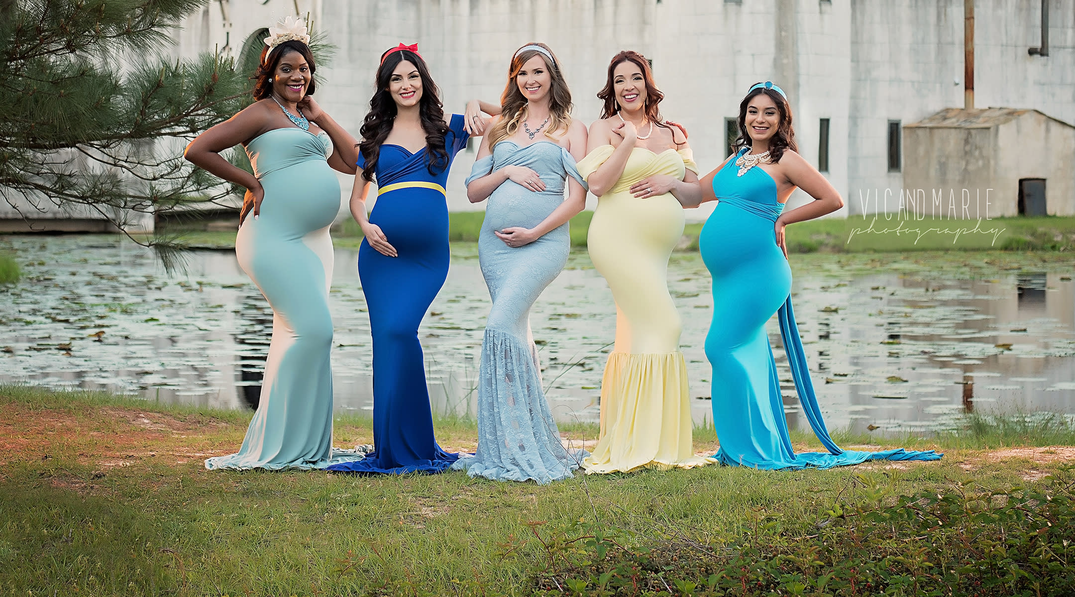 5 moms dress up for disney princess maternity shoot ombrellifo Image collections