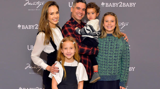 jessica alba with her family
