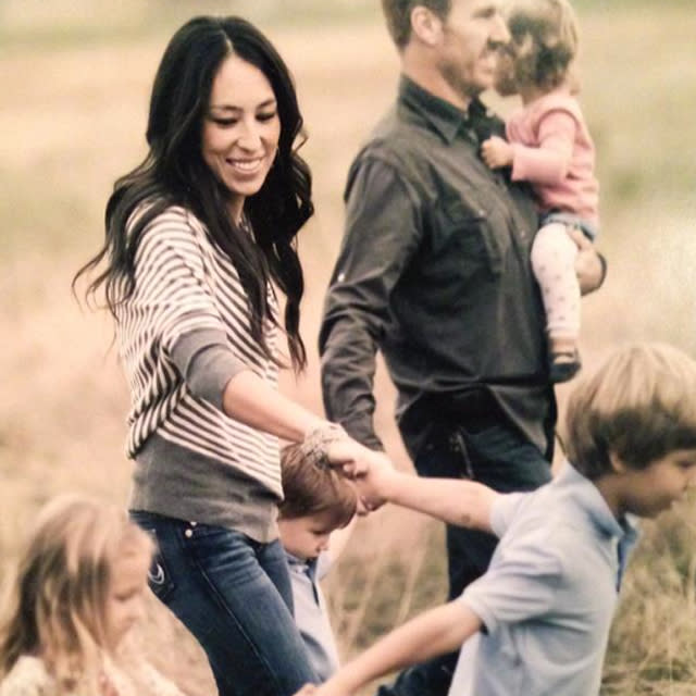 hgtv 39 s joanna gaines shares touching encouragement for parents. Black Bedroom Furniture Sets. Home Design Ideas