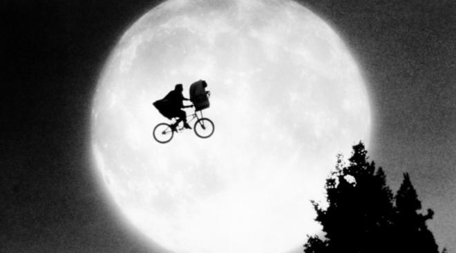 movie still of ET representing weird pregnancy dreams