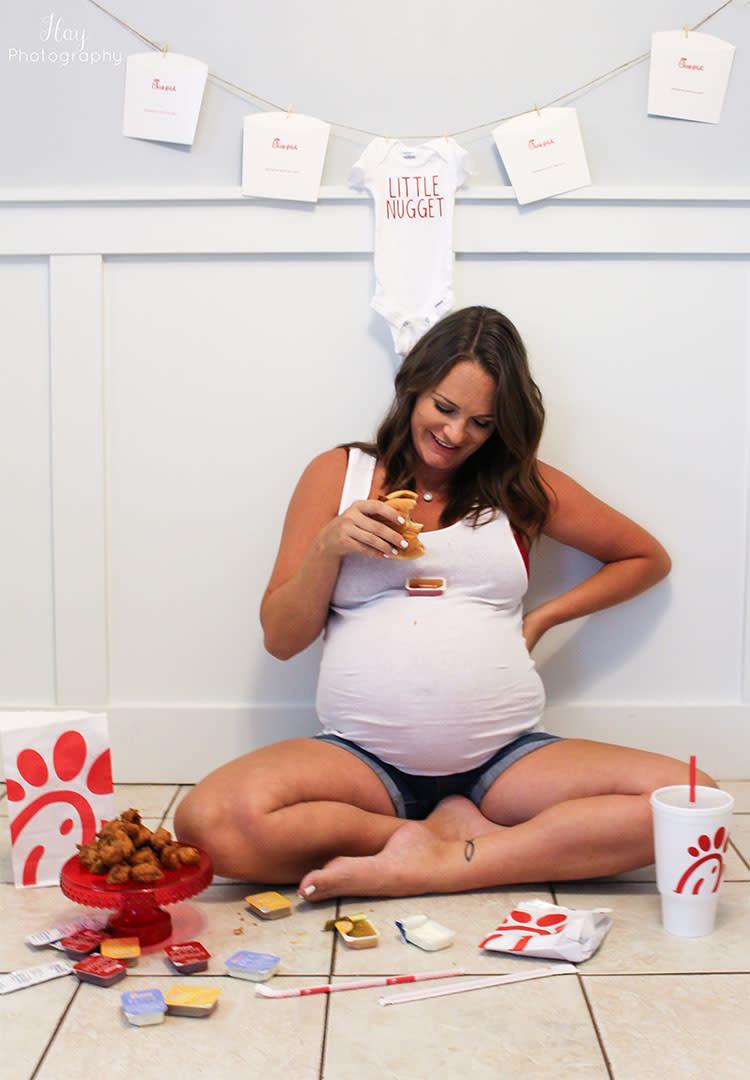 39 Creative Maternity Photo Ideas