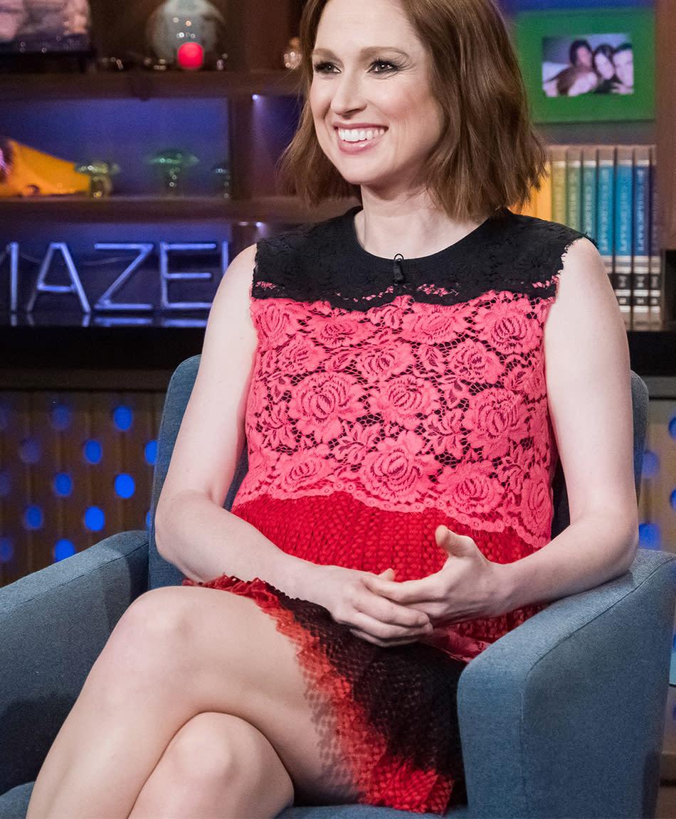 Actress Ellie Kemper Jokes She S 102 Weeks Pregnant In