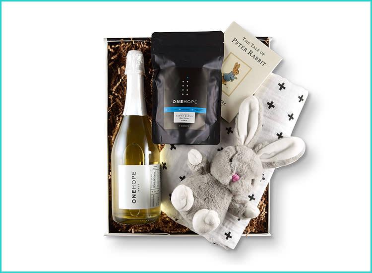 25f0c029be07 one-hope-new-mom-wine-gift-box