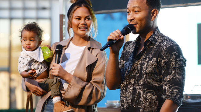 celebrity personality chrissy teigen with her family