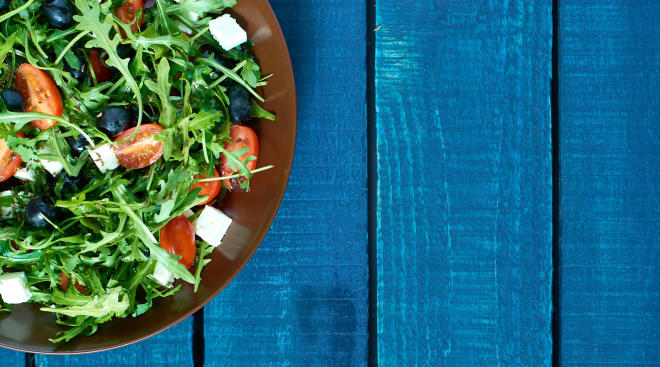 healthy arugula salad