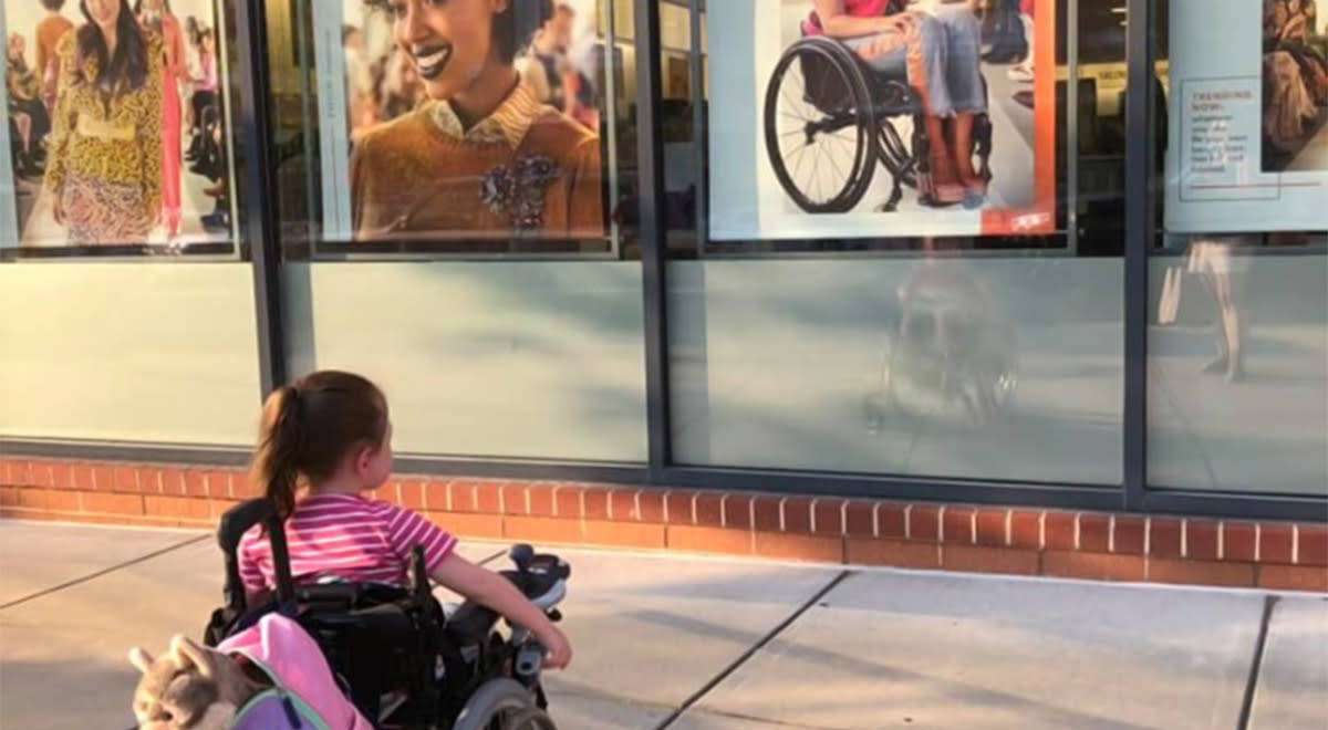 4-Year-Old Is Mesmerized by Beauty Ad Featuring a Model Who Uses a Wheelchair