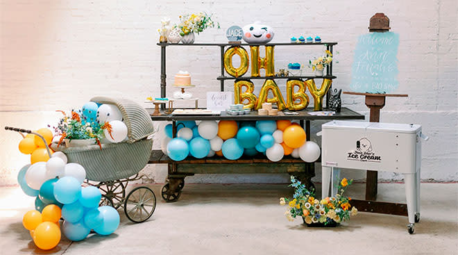 baby shower balloons and decorations