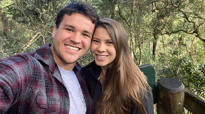 bindi irwin and chandler powell reveal the sex of their baby