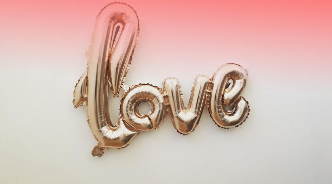 balloon that spells love