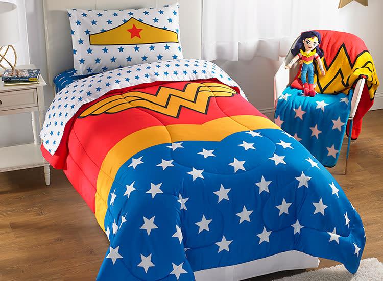 I am Wonder Woman Comic Book Logo Bedding WONDER WOMAN SHEET SET