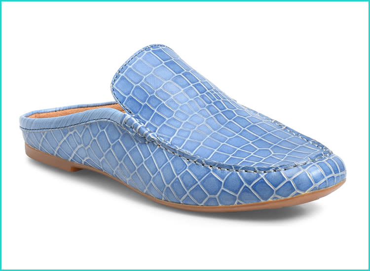 7b5a66a48dcdd 15 Pregnancy Shoes That Are Stylish and Supportive