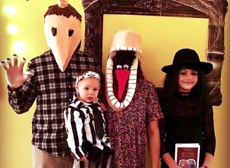 family halloween costumes beetlejuice