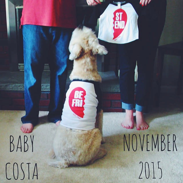 9 Ways to Announce Your Pregnancy With Photos – Birth Announcement with Dog