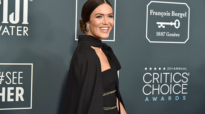 mandy moore announces she's pregnant