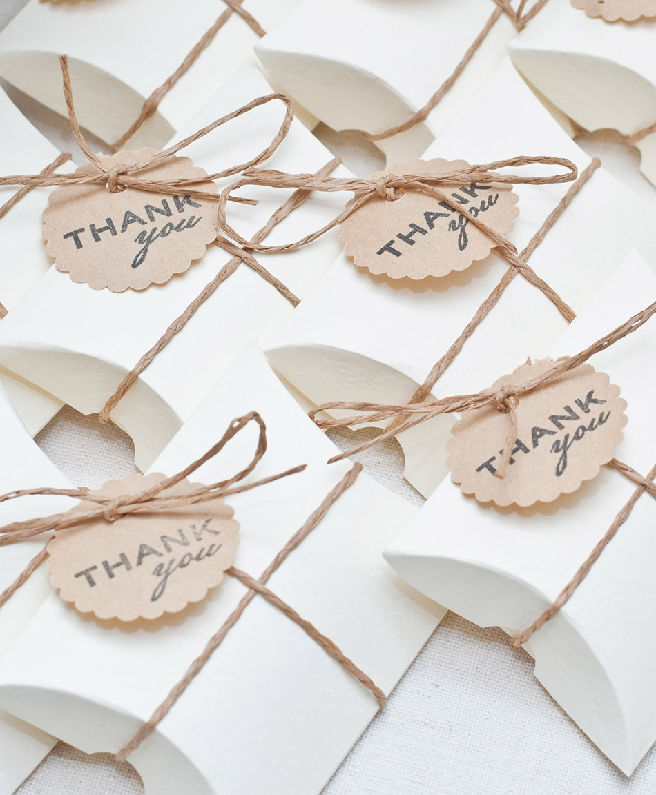 10 Personalised Baby Shower Favours//Gift containing Flower Seeds
