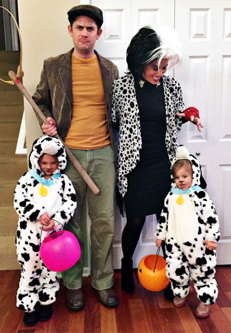 family halloween costume 101 dalmatians