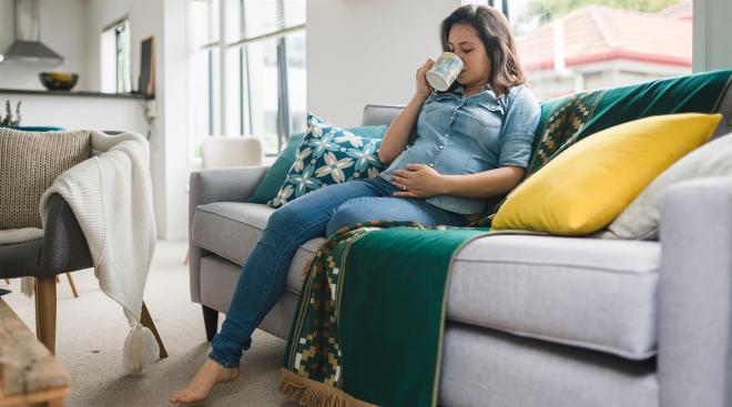 pregnant woman dealing with prenatal depression