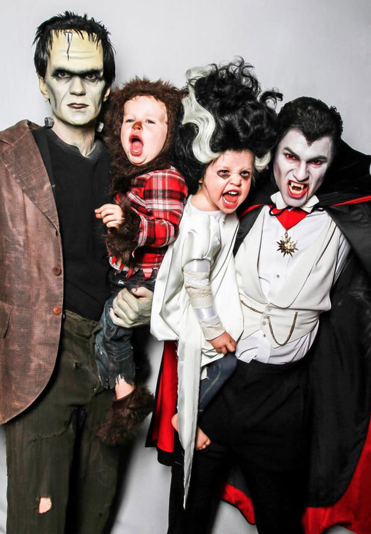 family-halloween-costume-neil-patrick-harris-david-burtka-