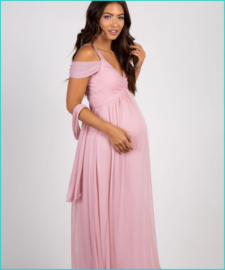 522d173df82e7 16 Stunning Maternity Photo Shoot Dresses