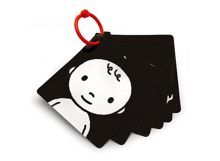 developmental-baby-toys-black-white-infant-flash-cards